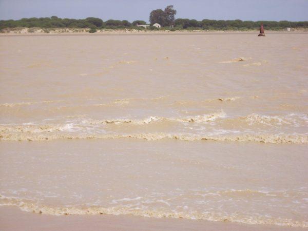 Condiciones de hiper-turbidez, presa de Alcalá del Río