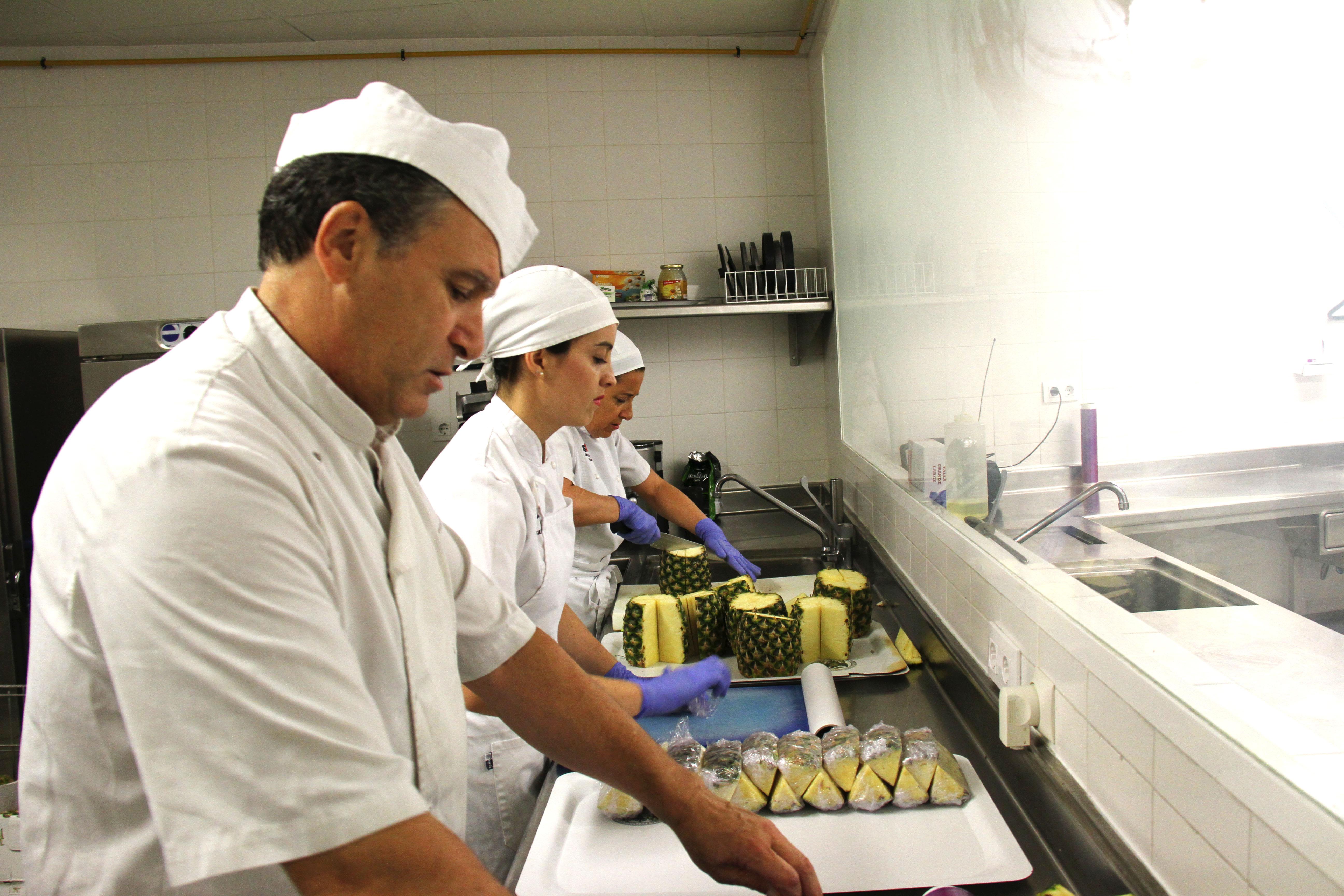 Nuevos menús aptos para celiacos en el Servicio de Comedores ...