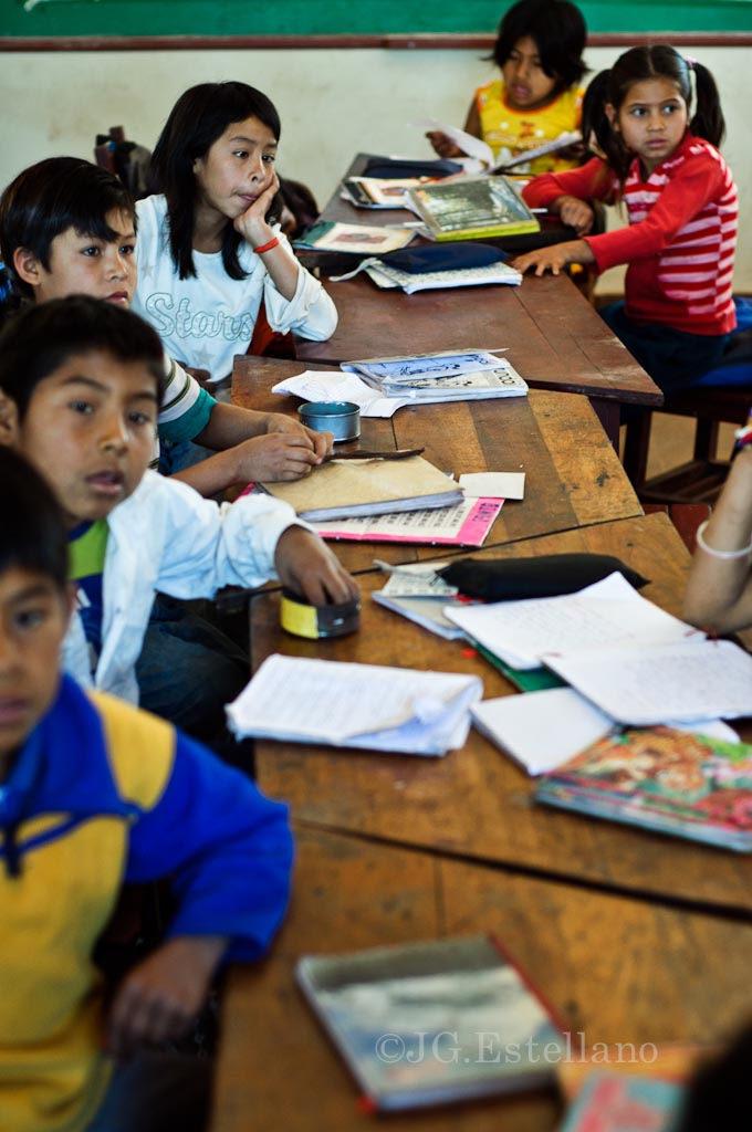 El tercer grado es el único curso que cueta con educación bilingüe en Isipotindi. Se espera llegar a más niños en los próximos años.