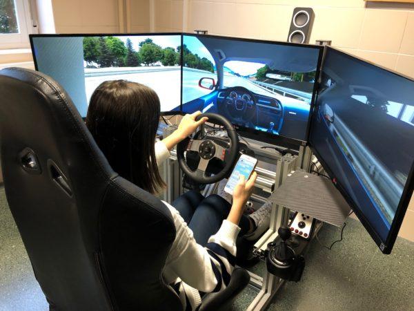 Contestar un 'whatsapp' al volante aumenta hasta un 134% los accidentes en personas mayores de 55 años