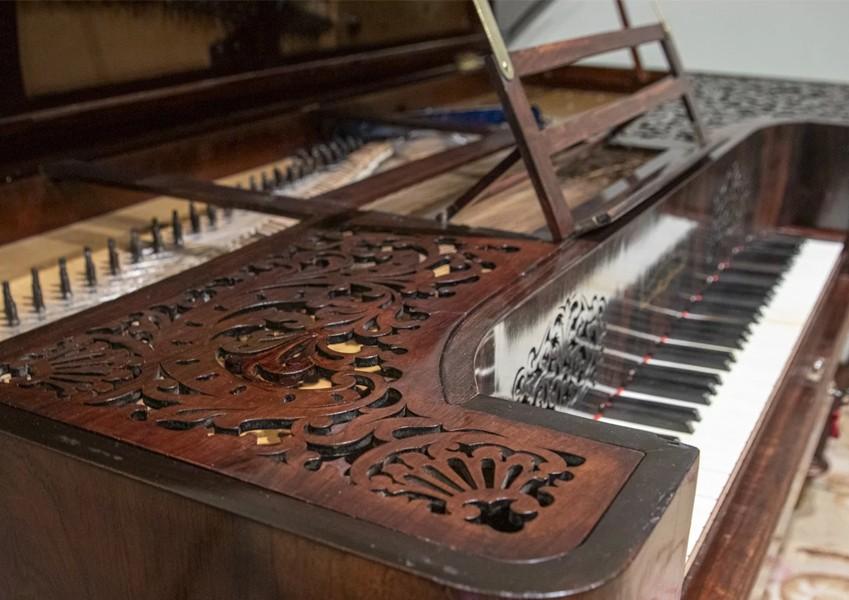 detalle piano collard